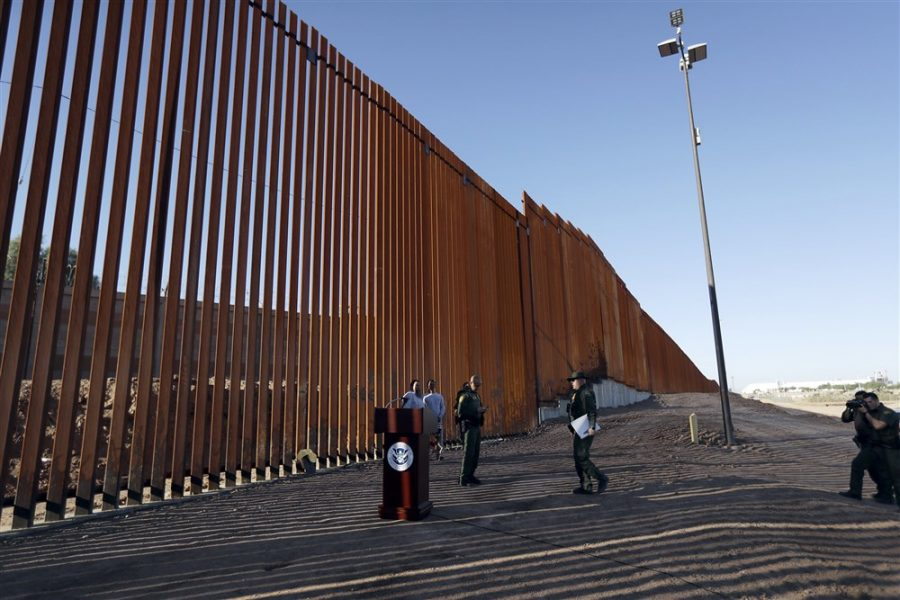 181026-border-wall-ew-212p_78529e537eb99a58988c3cce50f6ef97.fit-1000w